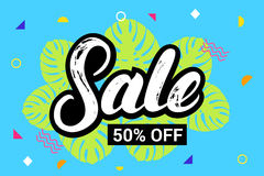 销售50 persent手在五颜六色的夏天背景的书面字法 库存图片