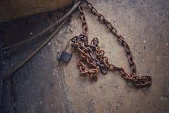 锁和链子铁锈 库存图片