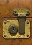 锁定老手提箱 免版税库存图片