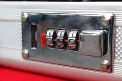 锁的编码号手提箱 库存照片