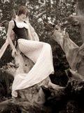 锋利时装模特儿摆在 免版税库存照片