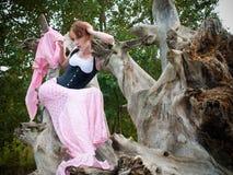 锋利时装模特儿摆在 免版税库存图片