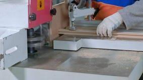 锋利的木空白的过程,土气内门的生产 影视素材