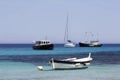 锚点小船corsic的calvi 免版税图库摄影