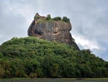 锡吉里耶城堡-狮子岩石 库存图片