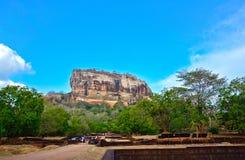 锡吉里耶岩石堡垒,第5 Century's破坏了是作为一个世界遗产名录站点被列出的联合国科教文组织在斯里兰卡的城堡 库存照片