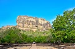 锡吉里耶岩石堡垒,第5 Century's破坏了是作为一个世界遗产名录站点被列出的联合国科教文组织在斯里兰卡的城堡 免版税库存照片