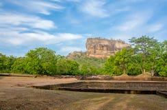 锡吉里耶岩石堡垒5个世纪被破坏的城堡 库存图片