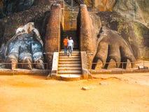 锡吉里耶,斯里兰卡- 2009年4月30日:狮子岩石堡垒 免版税库存照片