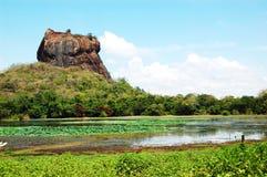 锡吉里耶(狮子的岩石)是一个古老岩石堡垒 免版税图库摄影