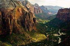 锡安峡谷如被看见从登陆在锡安国家公园的天使 库存照片