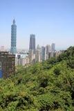 从锡昂队山的台北101在台北,台湾, ROC 免版税库存照片