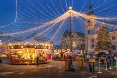 锡比乌,罗马尼亚- 2017年11月27日:圣诞节市场在锡比乌ma 免版税库存图片