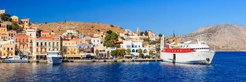 锡米岛轮渡希腊 免版税库存照片