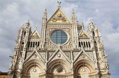 锡耶纳大教堂的上部门面,锡耶纳,托斯卡纳,意大利 库存图片