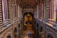 锡耶纳大教堂的内部看法 库存照片