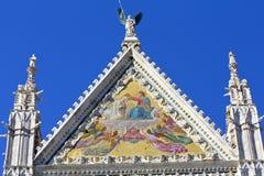 锡耶纳大教堂,上部门面 免版税库存图片