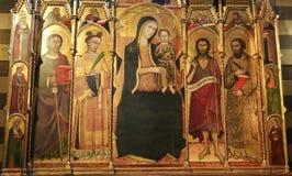 锡耶纳洗礼池-中世纪Polyptich 库存图片