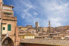 锡耶纳都市风景在托斯卡纳,意大利 库存图片