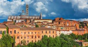 锡耶纳,圣多梅尼科,意大利大教堂  库存图片
