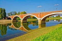 锡萨克老桥梁 库存图片