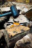 锤子和凝视建筑 免版税库存图片