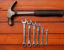 锤子和扳手 库存图片