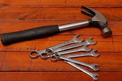 锤子和扳手 免版税库存照片