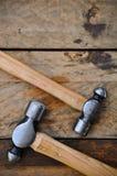 锤子套手工具或基本的工具在木背景 免版税图库摄影
