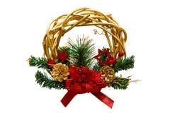 锥体、云杉的分支和花,新年圣诞节花圈  库存图片