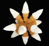 锥体奶油色组冰查出的大 免版税库存照片