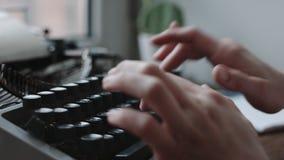 键入与减速火箭的文字机器的作家 股票录像