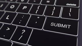 黑键盘和发光递交钥匙 3d概念性翻译 免版税图库摄影