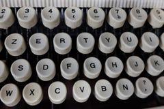 键盘和老打字机细节 库存图片