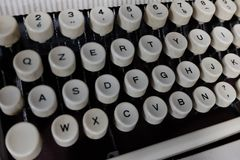 键盘和老打字机细节 免版税库存照片