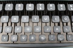 键盘和老打字机细节 库存照片