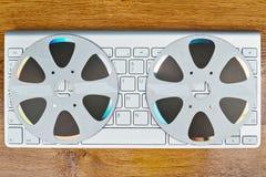 键盘和CD的顶视图 免版税库存图片