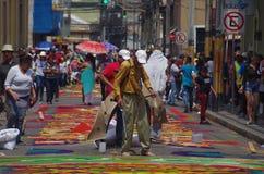 锯木屑色的地毯准备宗教夏天庆祝特古西加尔巴洪都拉斯2019 16 免版税图库摄影