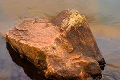 锯齿状的岩石 库存图片