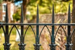 锻铁篱芭在乔治城,SC的上面的特写镜头 库存照片