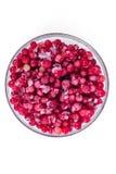 镀在白色背景的冷冻红浆果 收获莓果为冬天 库存图片