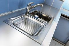 镀铬物厨房水槽 库存图片