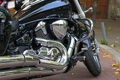镀铬物摩托车引擎特写镜头 免版税库存图片