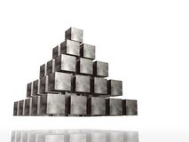 镀铬物金字塔 皇族释放例证