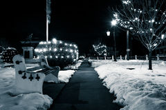 镇中心在冬天夜,在杰斐逊,宾夕法尼亚 库存照片