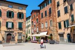 镇中心在卢卡,托斯卡纳,意大利 免版税图库摄影