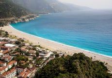 镇和海滩Oludeniz,土耳其 免版税库存照片