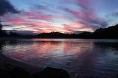 镇定的日落在英属黄金海岸 免版税库存照片