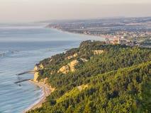 镇西罗洛, Conero,马尔什,意大利的鸟瞰图 库存照片