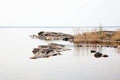 镇静平静的水 免版税库存照片